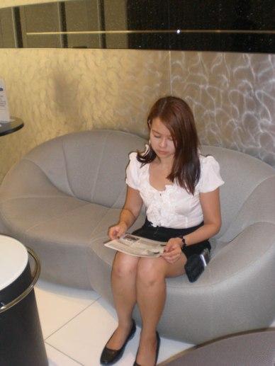 Gin-Wong-browsing-through-some-leaflets
