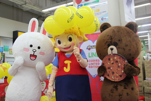 Group-Picture-of-Mascot_Cony-Julies-and-Brown